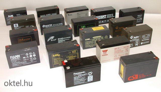 Csatasorban az AGM rendszerű, 12V 7Ah kapacitású akkumulátorok