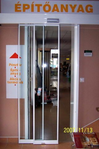Sz+C Stúdió bejárata