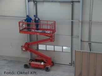 Az Oktel Kft. szakemberei tűzjelző rendszert telepítenek