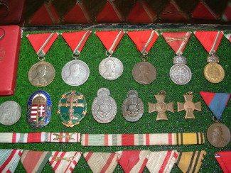 Néhány a kitüntetések közül