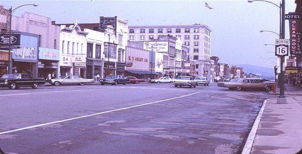 Olean főutcája az 1950-es években (www.gabrielamericanrealty.com)