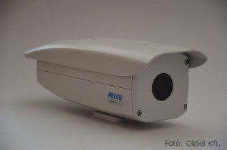 PELCO IP hőkamera 35 mm-es objektívvel (Fotó: Oktel Kft.)
