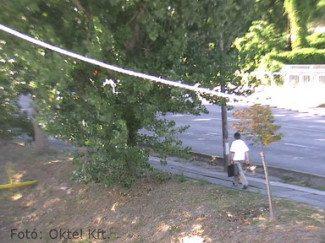 Utcakép nappal - hagyományos kamera esetén